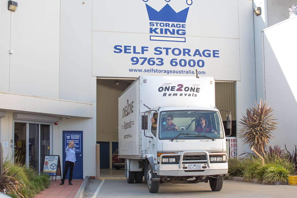 One2One Removals Storage king